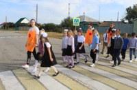 Посвящение в пешеходы «На дороге – не играть, не кататься, если хотите здоровым остаться!»